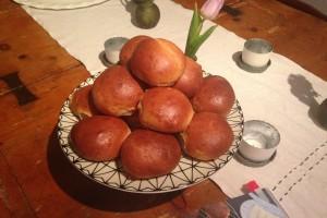 spelt cardamom buns