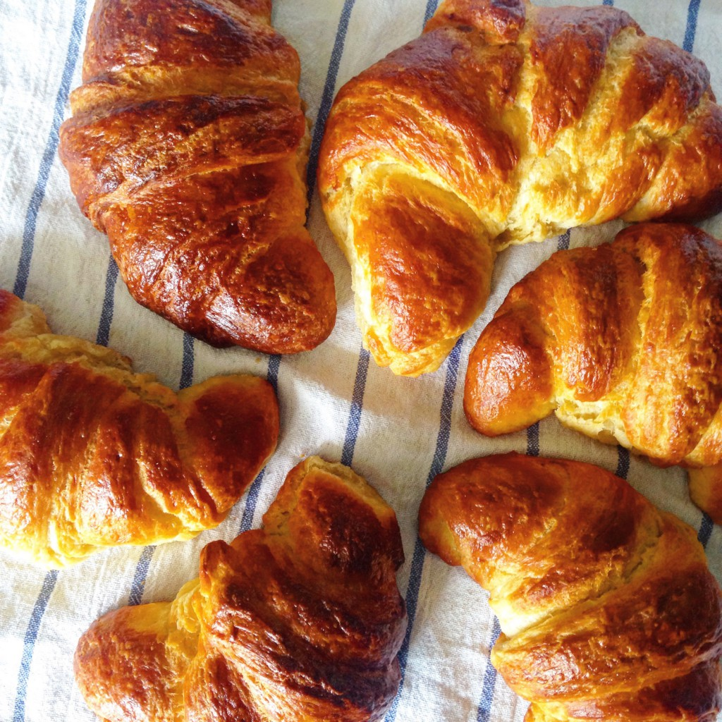 Croissant sun - Recipe for lactosefree and fructose friendly croissants from scratch | annavaleria.net